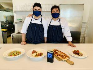 Joan Vila i Tomeu Suau preparen la nova oferta gastronòmica de Mater Ariany