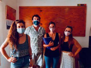Membres de l'equip d'inserció laboral de Mater durant la trobada amb el responsable de Verdesca, empresa de jardineria d'Esporles.